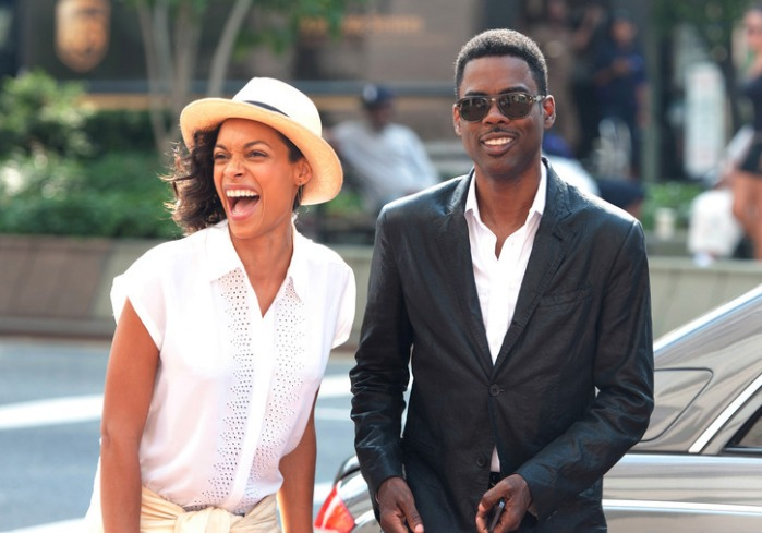 "Rosario Dawson y Chris Rock en ""Top Five""."