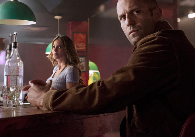"Sofía Vergara y Jason Statham en ""Wild Card""."
