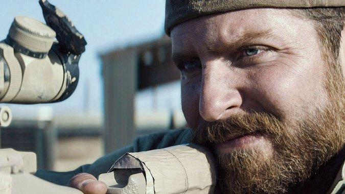 """Bradley Cooper es Chris Kyle en """"American Sniper""""."""