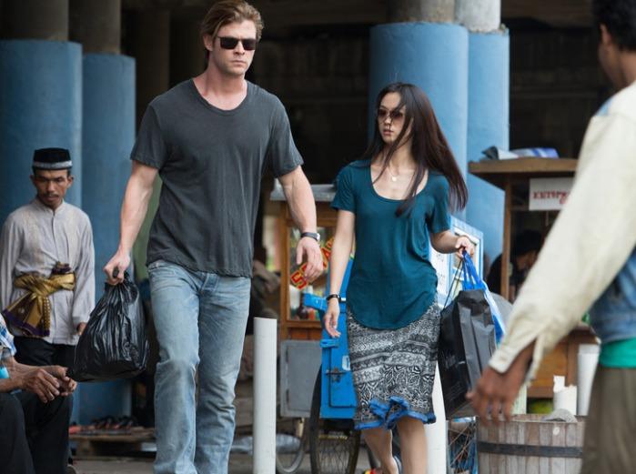 """Chris Hemsworth y Wei Tang en """"Blackhat""""."""