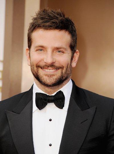 """Bradley Cooper protagoniza la película por estrenar """"American Sniper""""."""