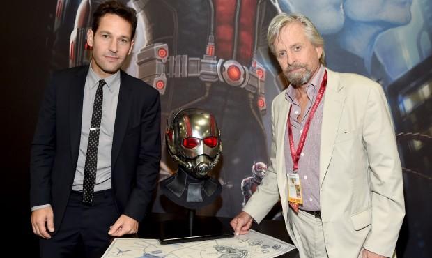 Paul Rud y Michael Douglas durante el Comic-Con 2014.