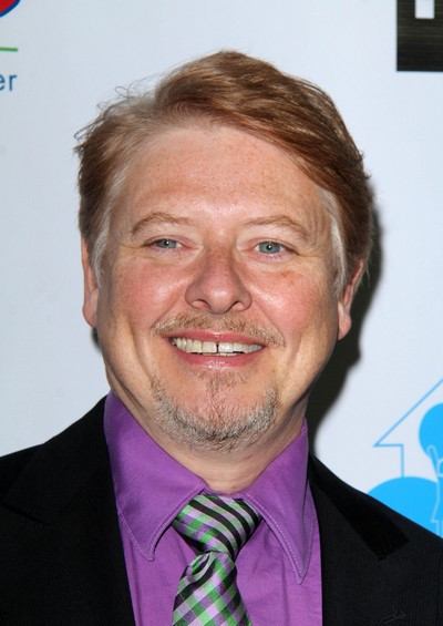 "Dave Foley actúa en la serie de TV ""Spun Out""."