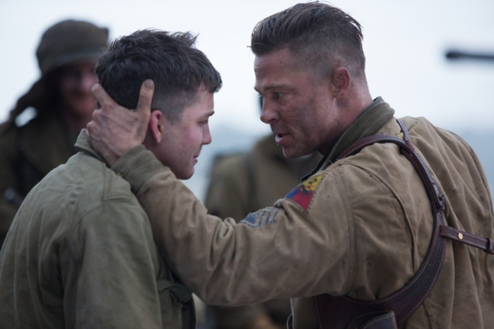 "Norman (Logan Lerman) y Wardaddy (Brad Pitt) en ""Fury""."