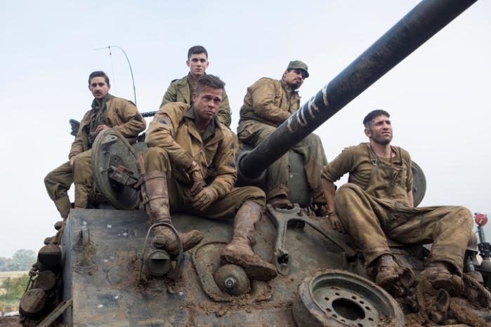 """Brad Pitt, Shia LaBeouf, Logan Lerman, Michael Peña y Jon Bernthal en """"Fury""""."""