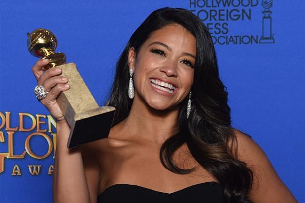 Gina Rodríguez con su Golden Globe.