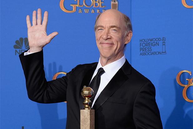 J.K. Simon en los Golden Globes 2015.