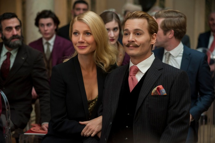 "Gwyneth Paltrow y Johnny Depp en ""Mordecai""."