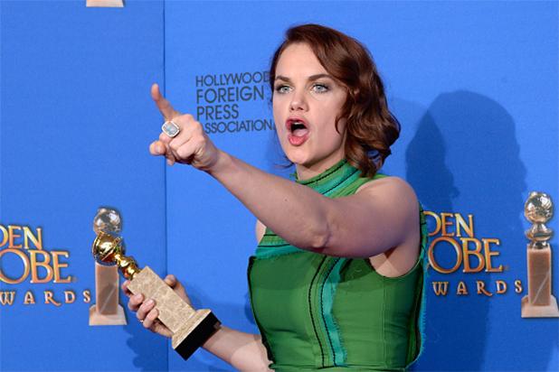 """Ruth Wilson con su """"Golden Globe""""."""