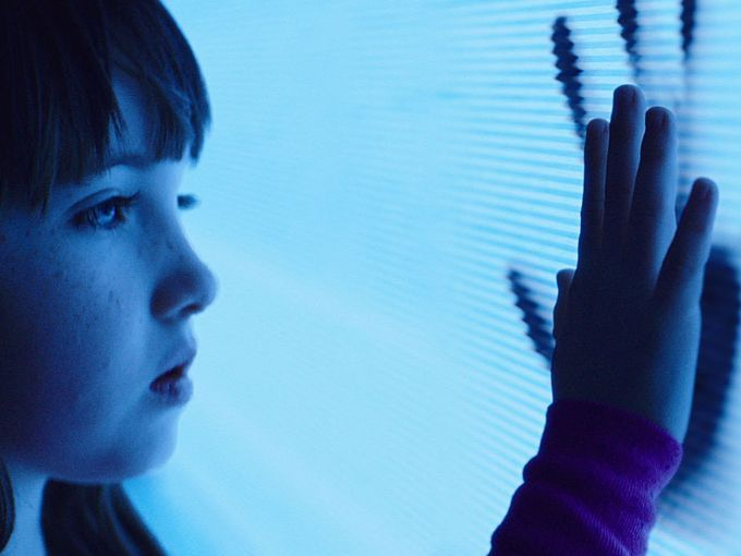 "Kennedi Clements es Madison Bowen en ""Poltergeist"" (2015)."