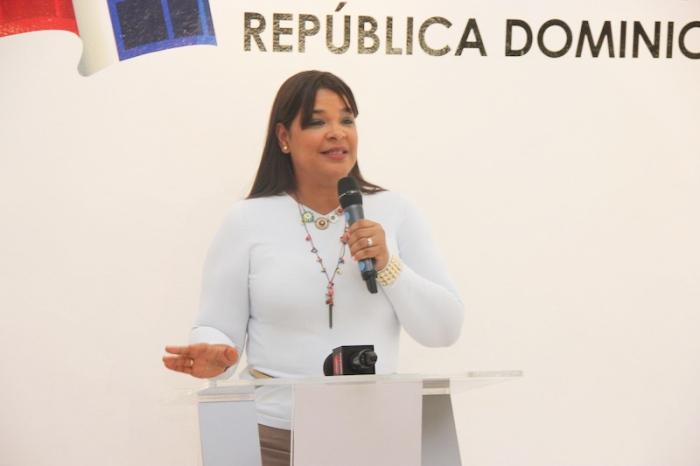 Yvette Marichal, Directora de DGCine, durante el acto de entrega de premios a los ganadores de FONPROCINE 2014.
