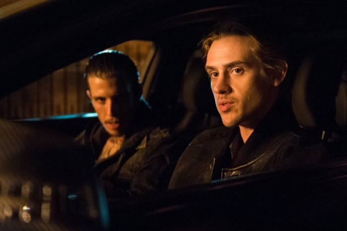 "Beau Knapp y Boyd Holbrook en ""Run All Night""."