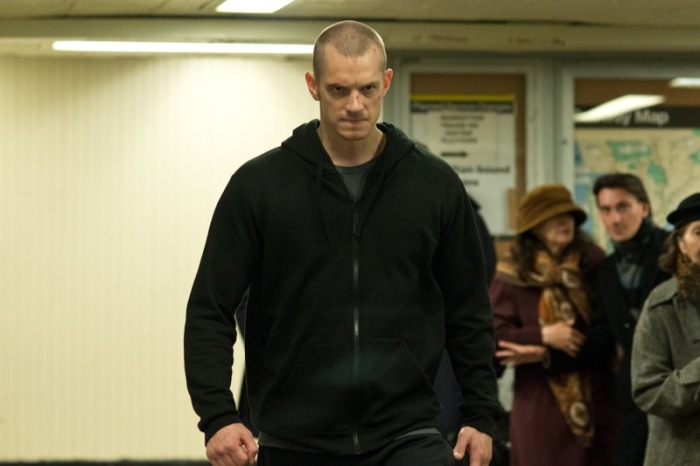"Joel Kinnaman es Mike Conlon en ""Run All Night""."