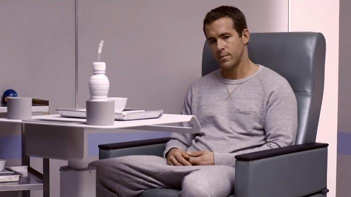 """Ryan Reynolds es el joven Damien en """"Self/less""""."""