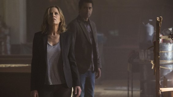 """Kim Dickens y Cliff Curtis en una escena de """"Cobalt"""" (nombre tentativo), precuela de """"The walking Dead""""."""