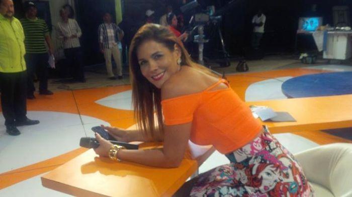 Dolphy Peláez, co-presentadora de el Show del Mediodía.