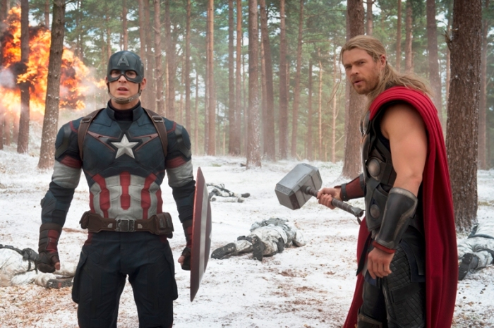 "Chris Evans y Liam Hemsworth en ""Avengers: Age of Ultron""."