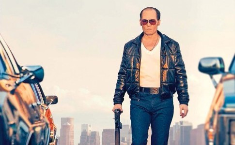 "Johnny Depp es Whitey Bulger en ""Black Mass""."