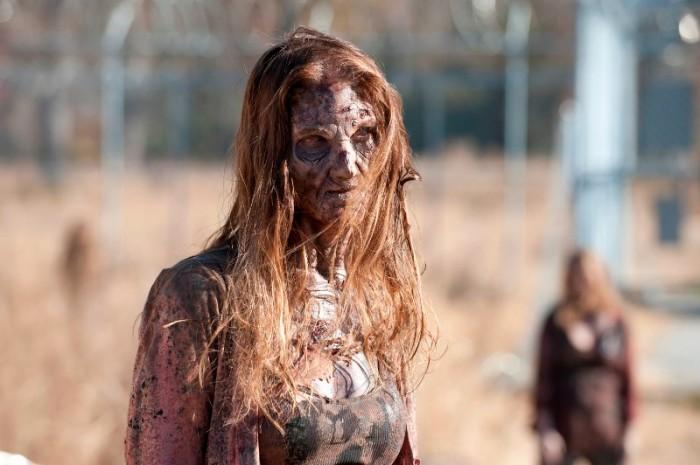 """Imagen de una caminante en la 3ra. temporada de """"The Walking Dead""""."""