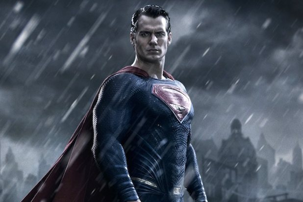 "Henry Cavill como Superman en ""Batman v Superman: Dawn of Justice""."