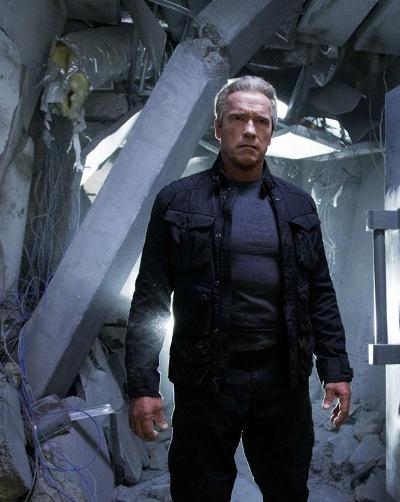 "Schwarzenegger como un T-800 protector en ""Terminator: Genisys""."