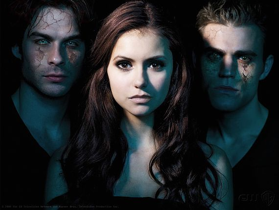 "Ian Somerhalder, Elena Gilbert y Paul Wesley en ""The Vampire Diaries""."