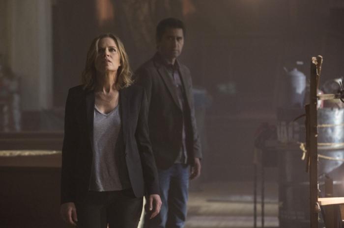 """Kim Dickens es Miranda y Cliff Curtis es Sean en """"Fear The Walking Dead""""."""