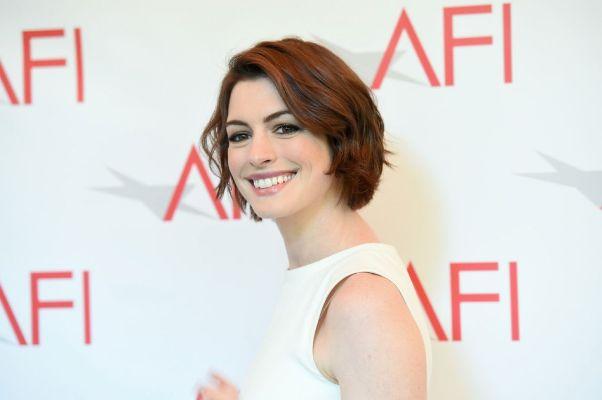 """Anne Hathaway protagonizará el film de Voltage Pictures """"Colosal""""."""