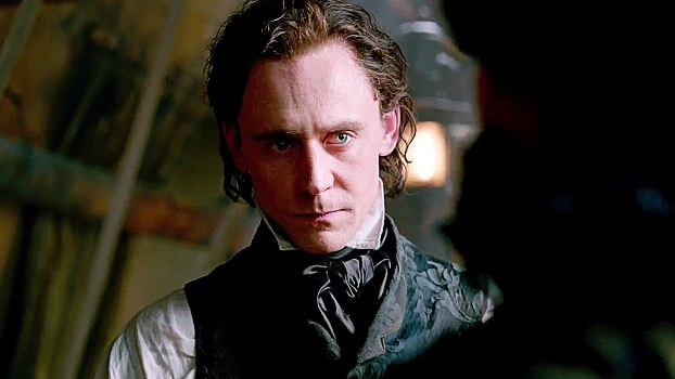 "Tom Hiddleston es Sir Thomas Sharpe en ""Crimson Peak""."