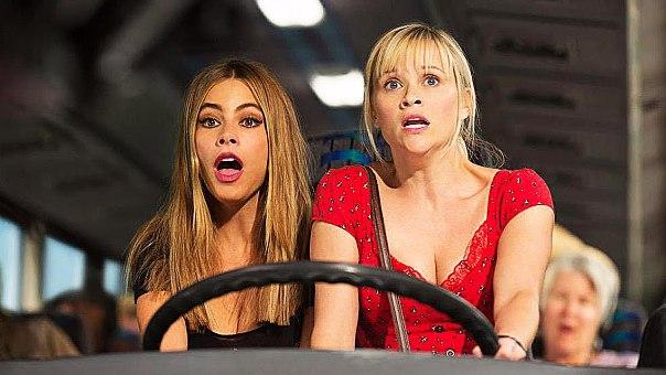 """Sofía Vergara es Daniella Riva y Reese Witherspoon es Cooper en """"Hot Pursuit""""."""