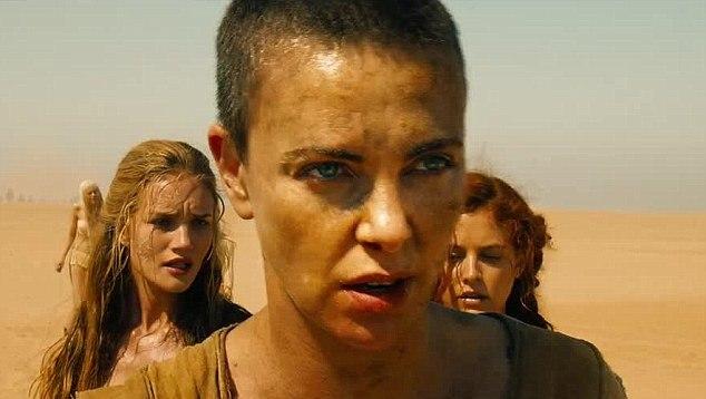 "Rosie Huntington-Whiteley, Charlize Theron y Riley Keough en ""Mad Max: Fury Road'."