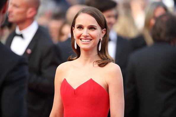 """Natalie Portman en la apertura del Cannes Film Festival 2015. Escribió, dirigirá y protagonizará el film """"A Tale of Love and Darkness""""."""