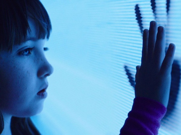 "Kennedi Clements es Madison en ""Poltergeist"" (2015)."
