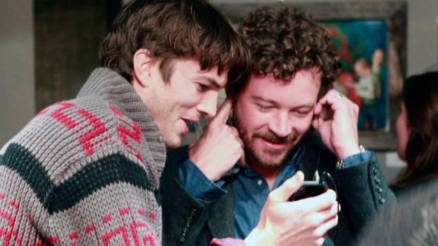 """Ashton Kutcher y Danny Masterson en el set de """"That '70s Show""""."""