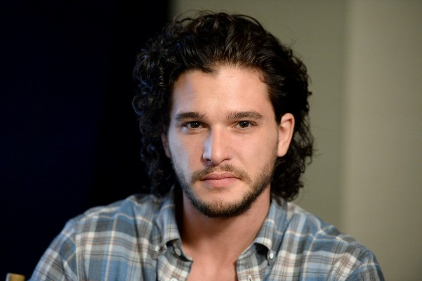 "Kit Harrington se integra al reparto del film ""Brimstone"". / Foto fuente: www.watchersonthewall.com"