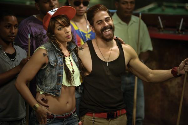 """Nashla Bogaert e Isaac Saviñón en """"La Gunguna""""."""