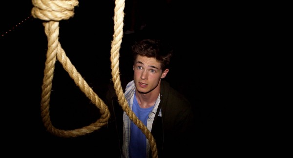 "Reese Mishler en ""Gallows""."