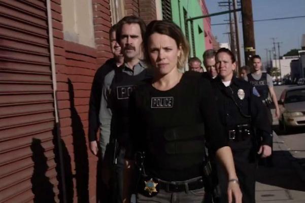 """Rachel MacAdams y Colin Farrell en """"True Detective"""" (segunda temporada)."""
