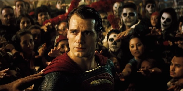 "Henry Cavill como Superman en ""Batman v Superman: Dawn of Justice""."
