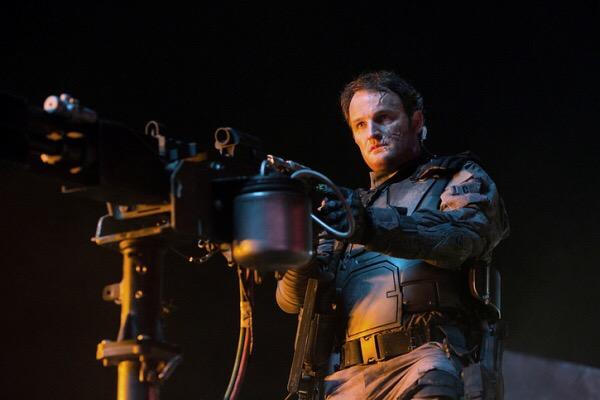 """Jason Clarke en """"Terminator Genisys""""."""