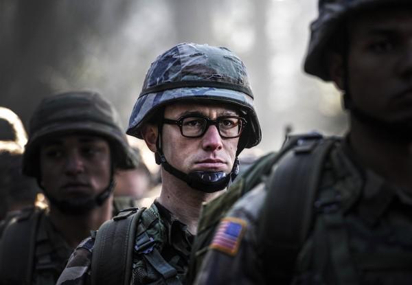 """Joseph Gordon-Levitt es Edward Snowden en el biopic """"Snowden""""."""