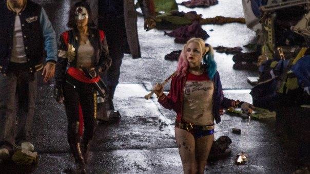 """Karen Fukuhara como Katana y Margot Robbie como Harley Quinn en """"Suicide Squad""""."""