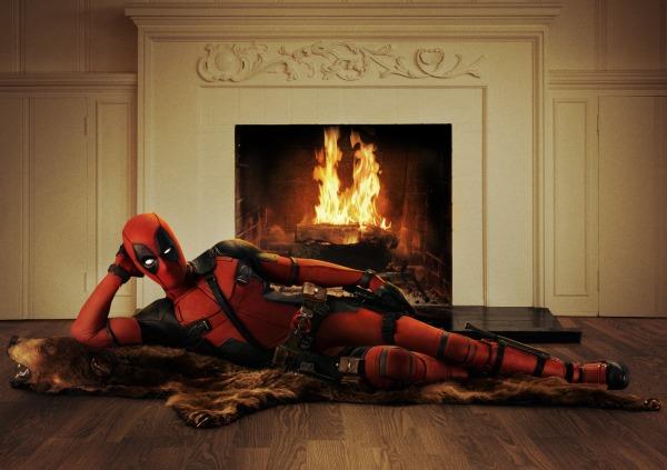 Ryan Reynolds bajo el disfraz del antiheroe mutante Deadpool.