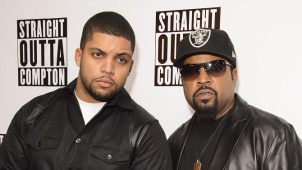 "O'Shea Jackson Jr. junto a Ice Cube en una premier de su film ""Straight Outta Compton""."