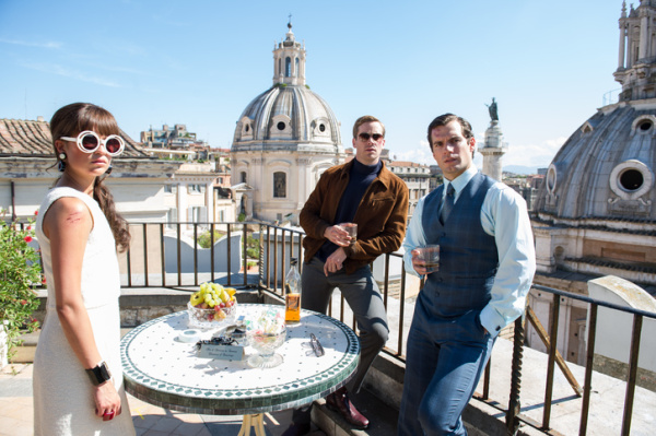 "Alicia Vikander, Armie Hammer y Henry Cavill en ""The Man From U.N.C.L.E.""."