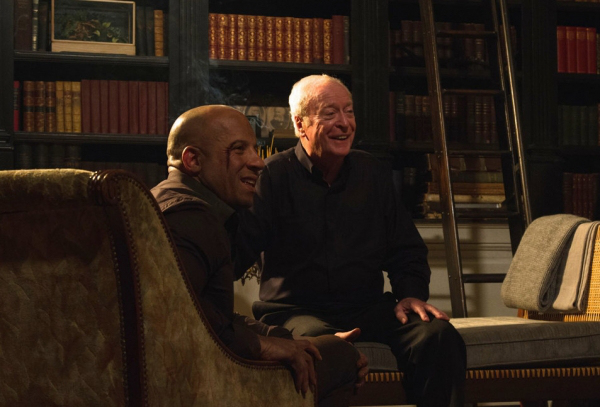 "Vin Diesel y Michael Caine como Dolan Thirty-Six en ""The Last Witch Hunter""."