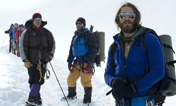 "Josh Brolin y Jake Gyllenhaal en ""Everest"" (2015)."
