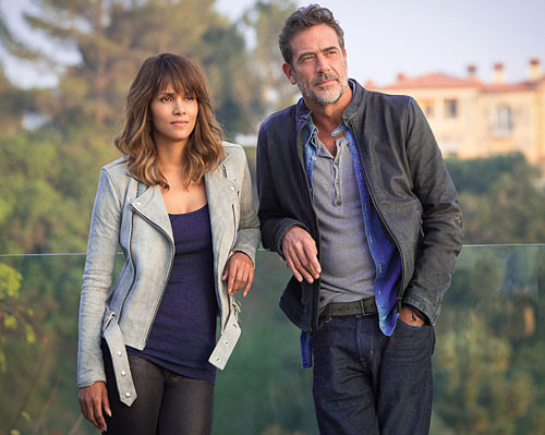 "Halle Berry es Molly Woods y Jeffrey Dean Morgan es JD Richter en ""Extant"". / Fuente foto: Sonja Flemming/CBS"