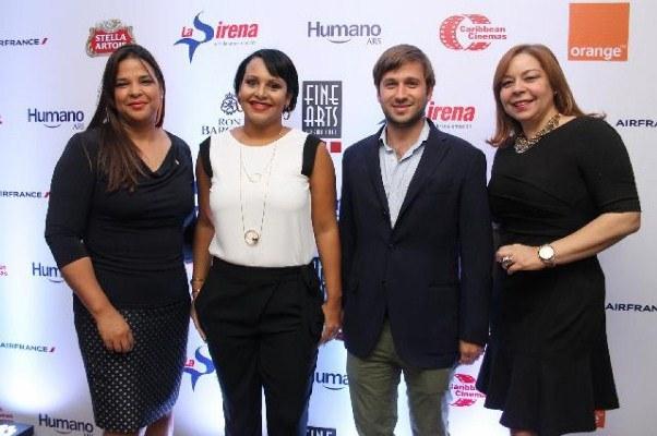Patrocinadores y representantes del 6to. Festinal Internacional de Cine Fine Arts.
