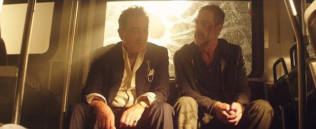 """Robert de Niro y Jeffrey Dean Morgan como Vaughn en """"Heist"""" (2015)."""